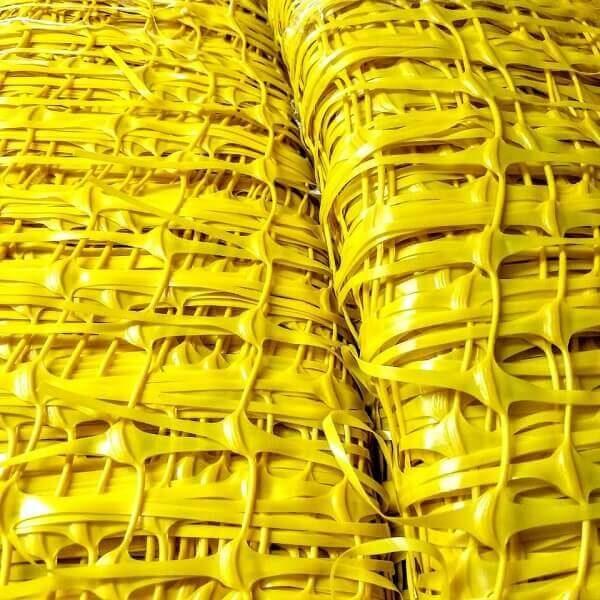 rolos de tela tapume de polietileno extrudado de alta densidade na cor amarela