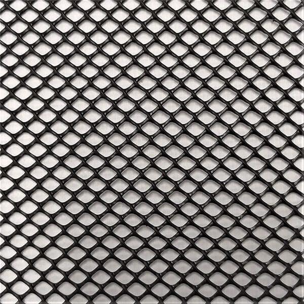 Tela plástica hexagonal com abertura diferenciada